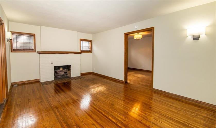 988 N CAMPBELL Avenue Indianapolis, IN 46219 | MLS 21676664 | photo 6