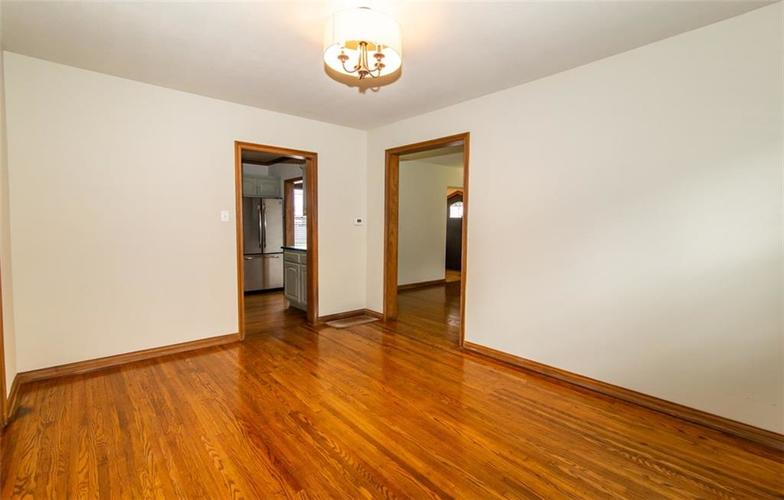 988 N CAMPBELL Avenue Indianapolis, IN 46219 | MLS 21676664 | photo 8