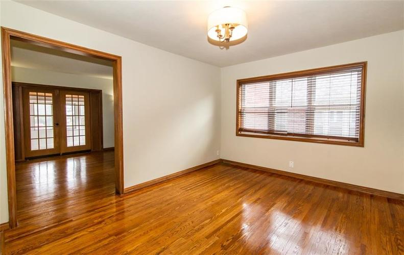 988 N CAMPBELL Avenue Indianapolis, IN 46219 | MLS 21676664 | photo 9