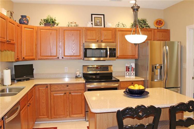18434 PIERS END Drive Noblesville, IN 46062 | MLS 21676708 | photo 2