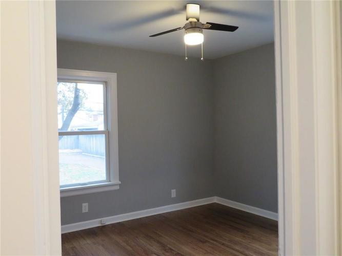 6477 Broadway Street Indianapolis, IN 46220 | MLS 21676714 | photo 12