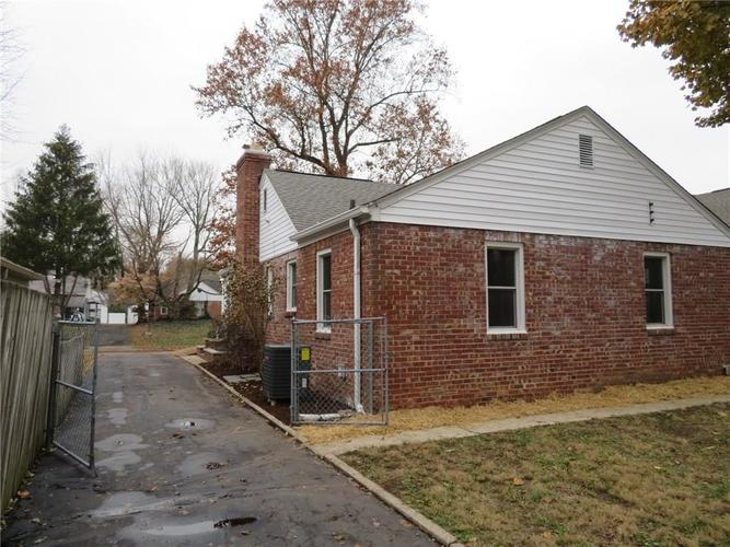 6477 Broadway Street Indianapolis, IN 46220 | MLS 21676714 | photo 18