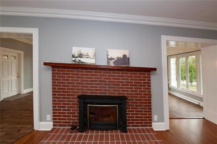 645 E Main Street Plainfield, IN 46168 | MLS 21676715 | photo 12