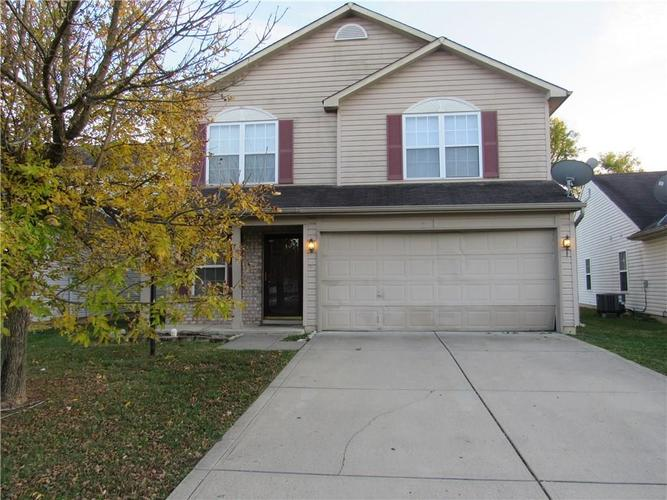 10755 STERLING APPLE Drive Indianapolis, IN 46235 | MLS 21676763 | photo 2