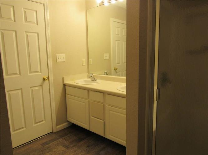10755 STERLING APPLE Drive Indianapolis, IN 46235 | MLS 21676763 | photo 23