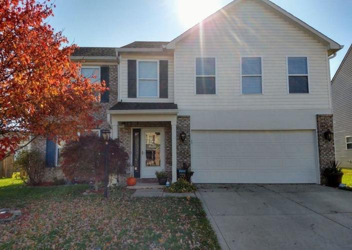 9653 GULL LAKE Drive Indianapolis, IN 46239 | MLS 21676766 | photo 2
