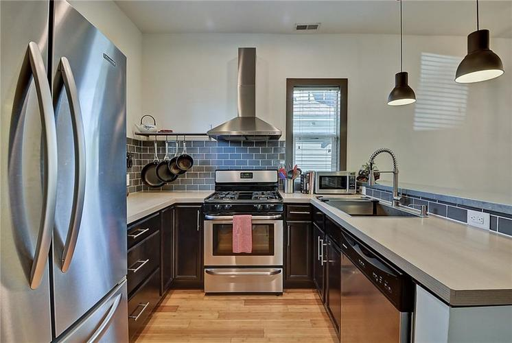 628 E 21st Street Indianapolis, IN 46202 | MLS 21677816 | photo 15
