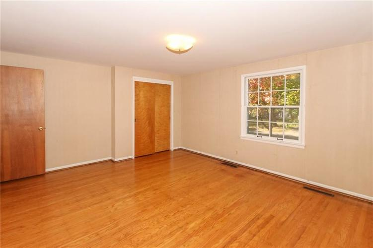5939 Hillside Avenue East Drive Indianapolis, IN 46220 | MLS 21677829 | photo 20