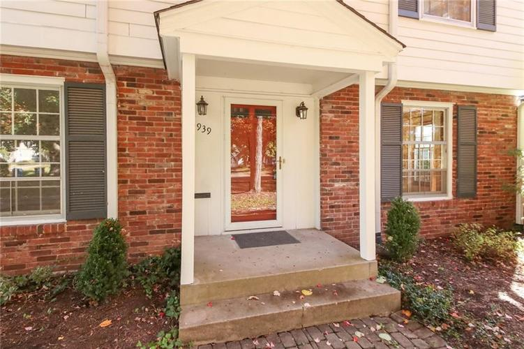 5939 Hillside Avenue East Drive Indianapolis, IN 46220 | MLS 21677829 | photo 4