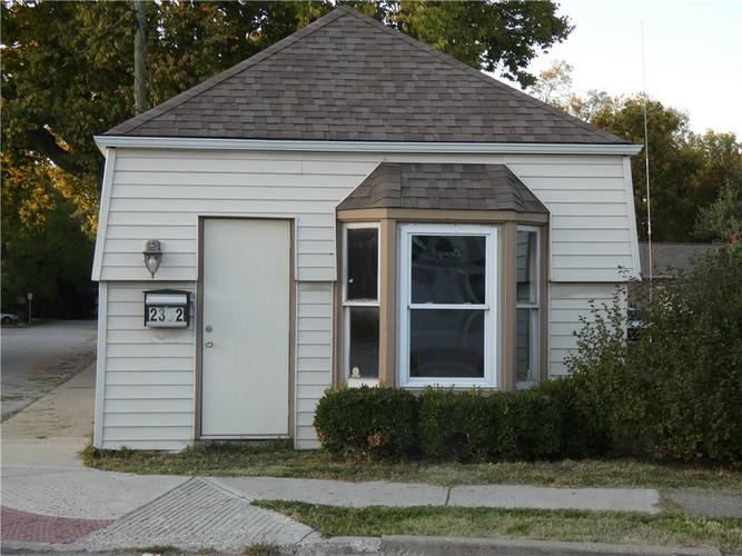 2302 Southport Road Indianapolis, IN 46227 | MLS 21677901 | photo 1