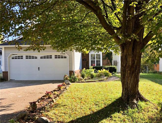 9127 Warwick Road Indianapolis, IN 46240 | MLS 21677925 | photo 2