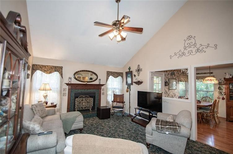 18831 Wimbley Way Noblesville, IN 46060 | MLS 21677928 | photo 10