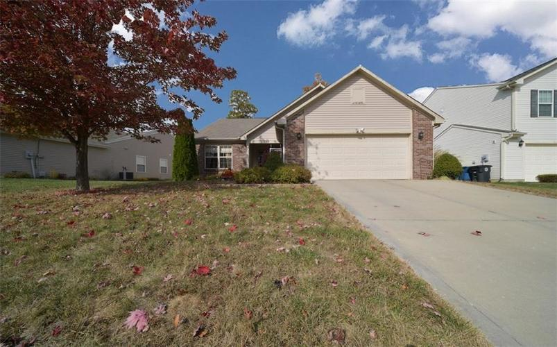 11720 Rossmore Drive Indianapolis, IN 46235 | MLS 21677980 | photo 1