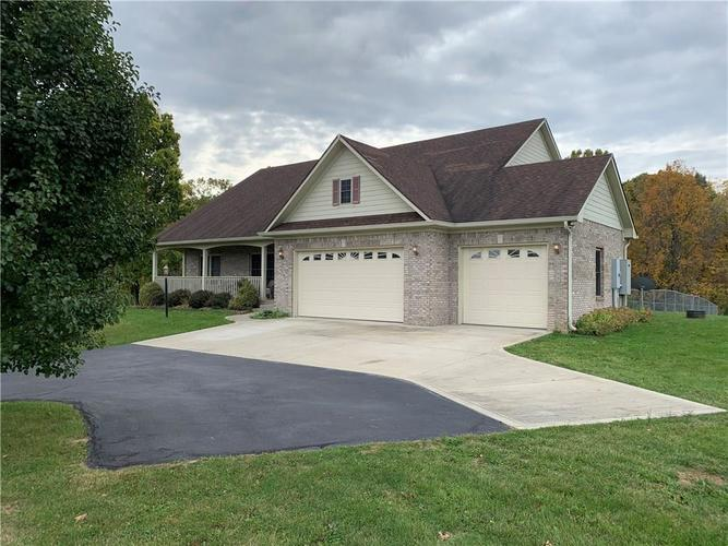 7481 E Creek Way Road Martinsville, IN 46151 | MLS 21677992