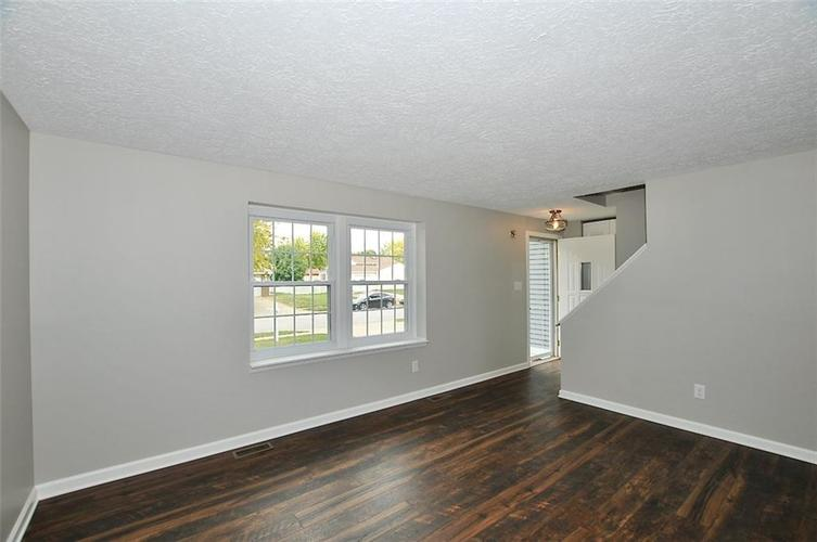 1625 Brentwood Drive S Plainfield, IN 46168 | MLS 21678000 | photo 2