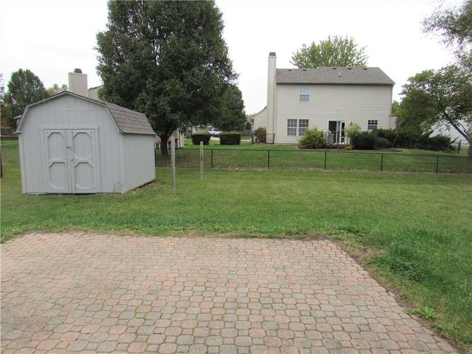 143 FOUNTAIN Drive Mooresville, IN 46158 | MLS 21678013 | photo 2