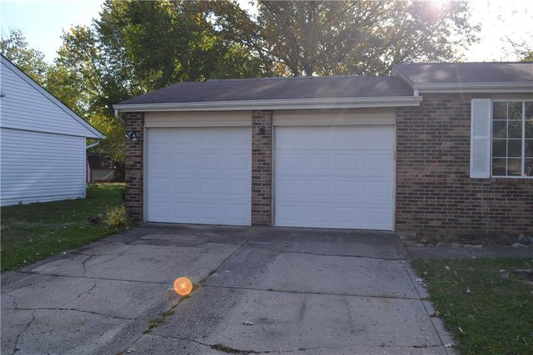 5329 Lobo Drive Indianapolis, IN 46237 | MLS 21678016 | photo 2