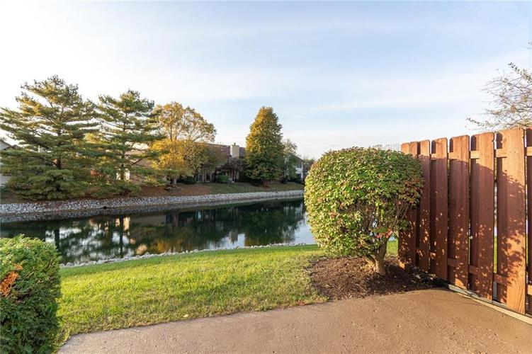 9132 Backwater Drive Indianapolis, IN 46250 | MLS 21678095 | photo 4