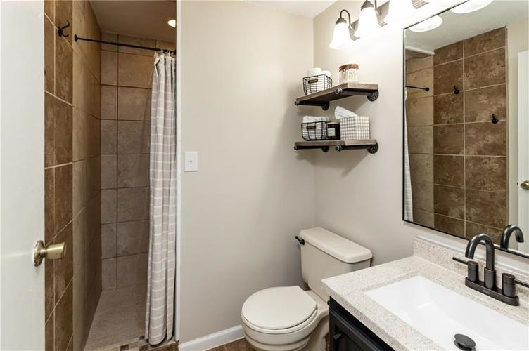 7710 Cardinal Cove N Indianapolis, IN 46256 | MLS 21678109 | photo 11