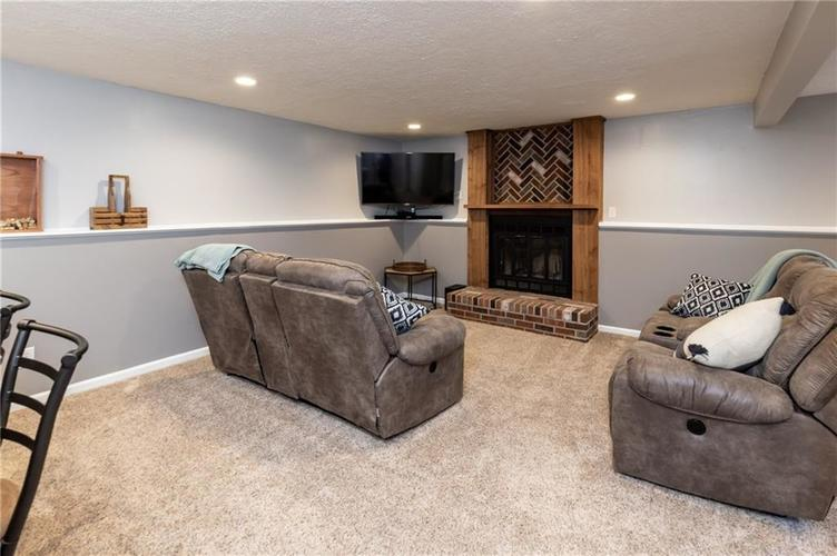 7710 Cardinal Cove N Indianapolis, IN 46256 | MLS 21678109 | photo 15