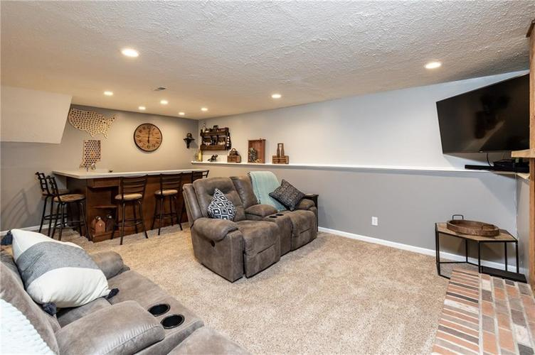 7710 Cardinal Cove N Indianapolis, IN 46256 | MLS 21678109 | photo 17