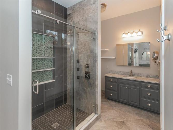 9067 Admirals Bay Drive Indianapolis, IN 46236 | MLS 21678173 | photo 22