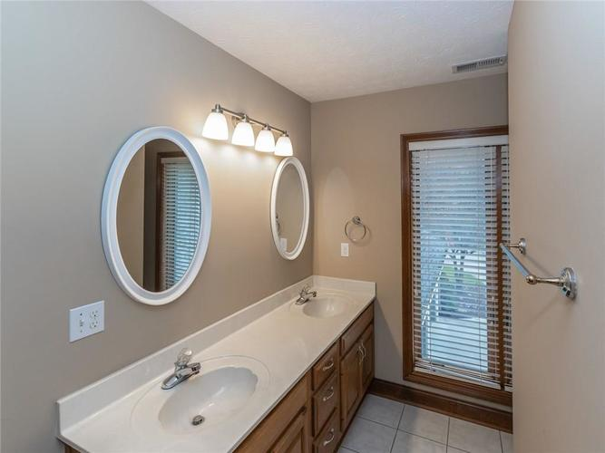 9067 Admirals Bay Drive Indianapolis, IN 46236 | MLS 21678173 | photo 30