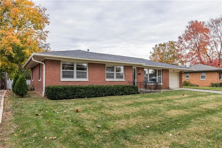 312 WAYSIDE Drive Plainfield, IN 46168 | MLS 21678184 | photo 2