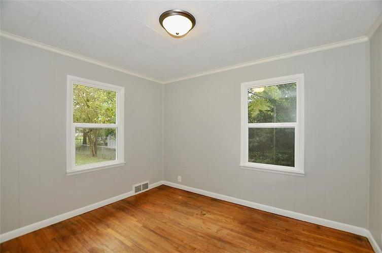 409 W Roberts Road Indianapolis, IN 46217 | MLS 21678201 | photo 11