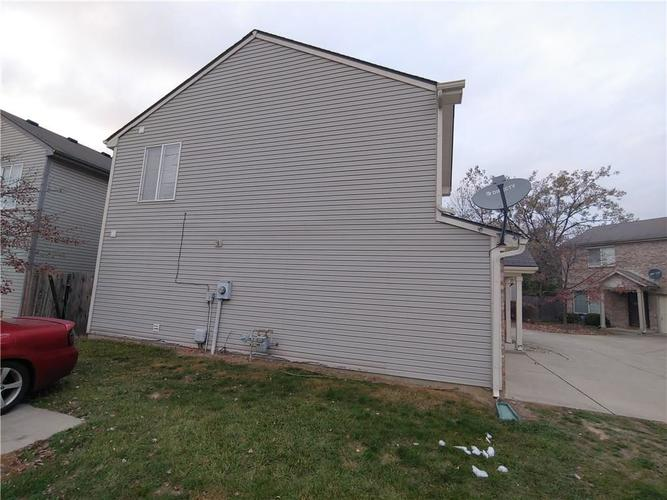 4960 Clarkson Drive Indianapolis, IN 46254 | MLS 21678239 | photo 3