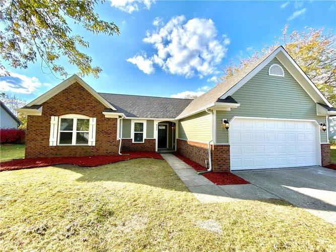 9352  Hadway Drive Indianapolis, IN 46256 | MLS 21678290