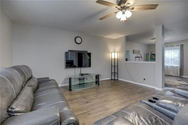 2472 Providence Court Greenwood, IN 46143 | MLS 21678311 | photo 11