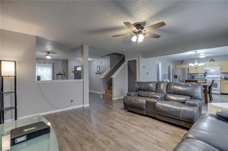 2472 Providence Court Greenwood, IN 46143 | MLS 21678311 | photo 12