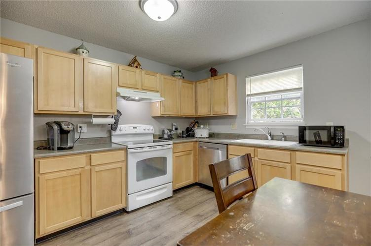 2472 Providence Court Greenwood, IN 46143 | MLS 21678311 | photo 17