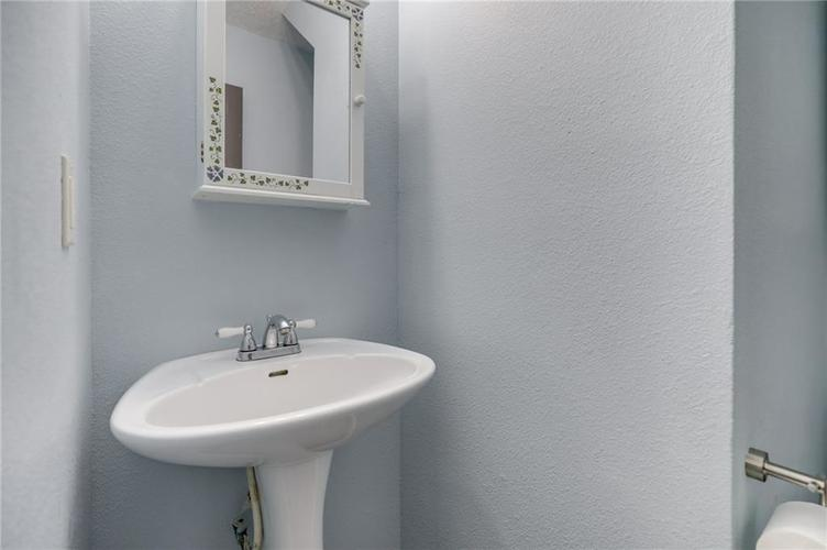 2472 Providence Court Greenwood, IN 46143 | MLS 21678311 | photo 18