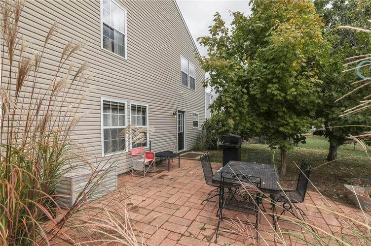 2472 Providence Court Greenwood, IN 46143 | MLS 21678311 | photo 3