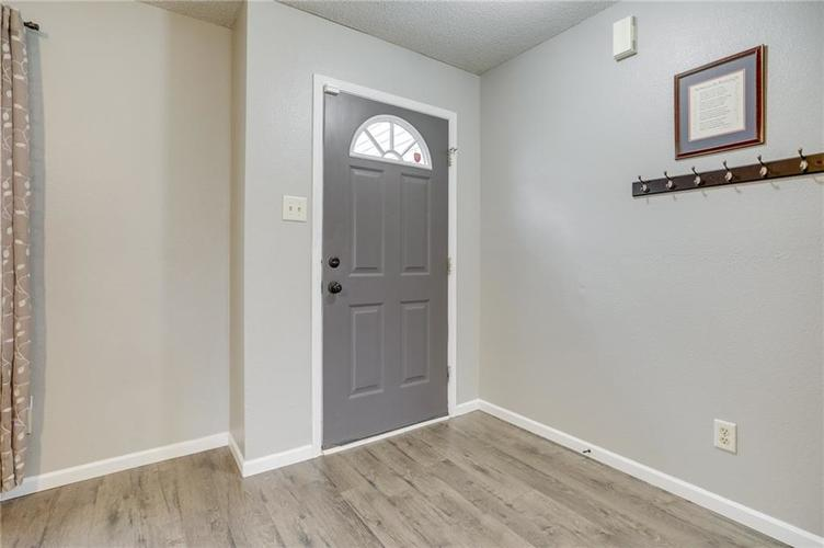 2472 Providence Court Greenwood, IN 46143 | MLS 21678311 | photo 5