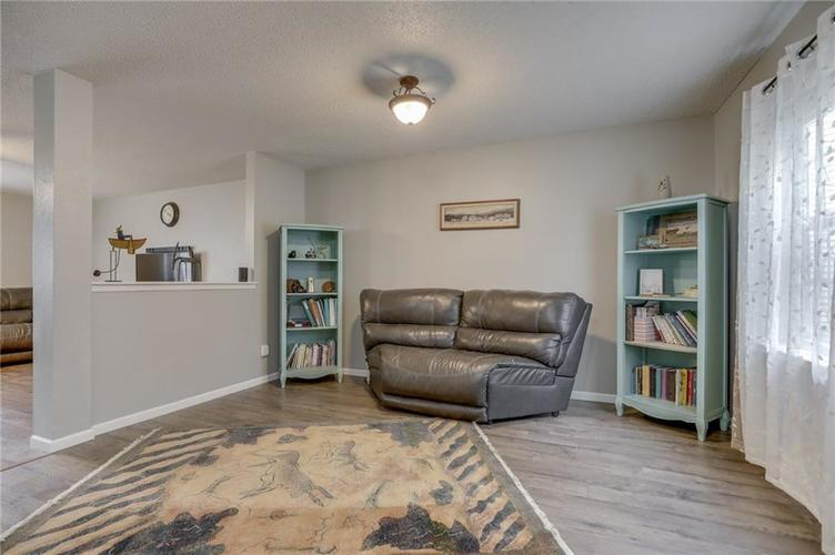 2472 Providence Court Greenwood, IN 46143 | MLS 21678311 | photo 6