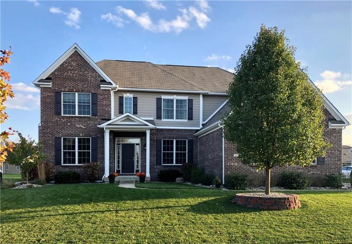 6139 Roxburgh Place Noblesville IN 46062 | MLS 21678312 | photo 1