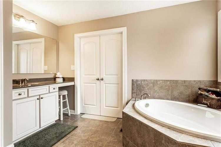 6139 Roxburgh Place Noblesville IN 46062 | MLS 21678312 | photo 20