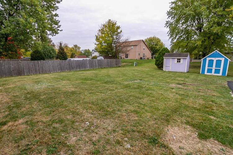 8707 E 96th Street Indianapolis, IN 46256 | MLS 21678313 | photo 4