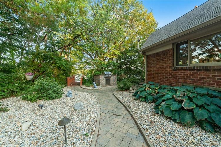 8401 Bay Colony Drive Indianapolis, IN 46234 | MLS 21678320 | photo 44
