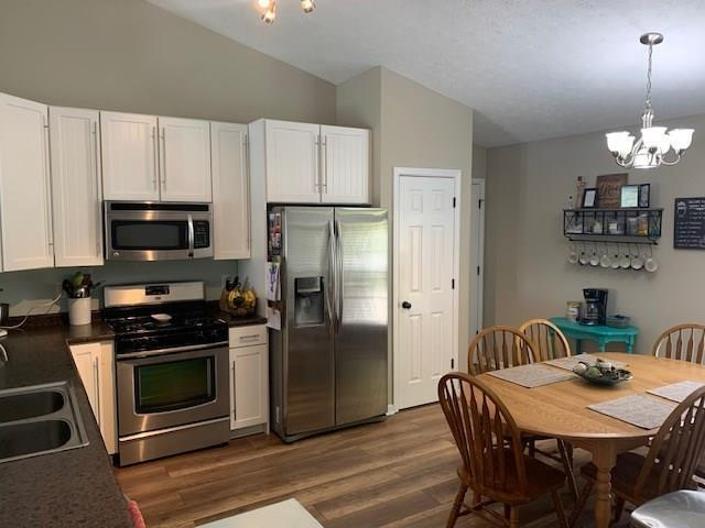 7225 Bobcat Trail Drive Indianapolis, IN 46237   MLS 21678322   photo 6