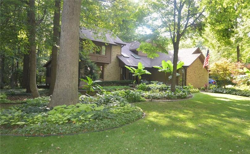 5229  Mosswood Drive Indianapolis, IN 46254 | MLS 21678377