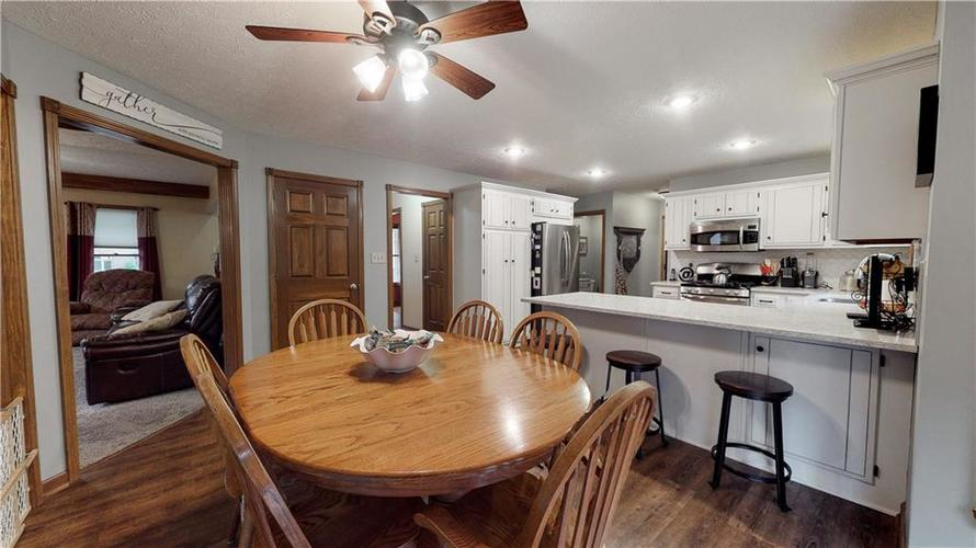 175 Southwind Court Greenwood, IN 46142 | MLS 21678398 | photo 23