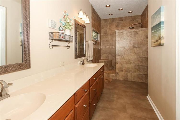 181 Crowndale Court Noblesville, IN 46060 | MLS 21678416 | photo 17