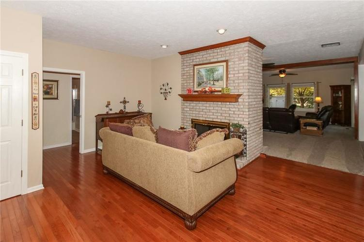 181 Crowndale Court Noblesville, IN 46060 | MLS 21678416 | photo 4