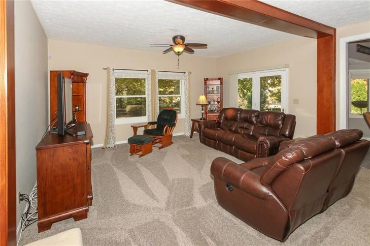 181 Crowndale Court Noblesville, IN 46060 | MLS 21678416 | photo 8