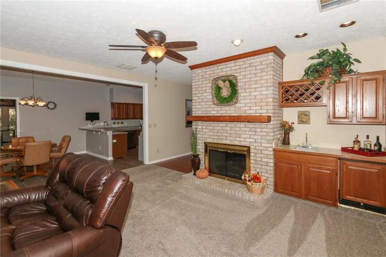 181 Crowndale Court Noblesville, IN 46060 | MLS 21678416 | photo 9