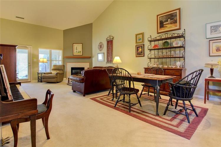 12177 Rockford Court Noblesville, IN 46060 | MLS 21678433 | photo 4